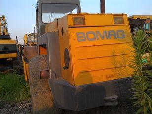 BOMAG BW217D road roller